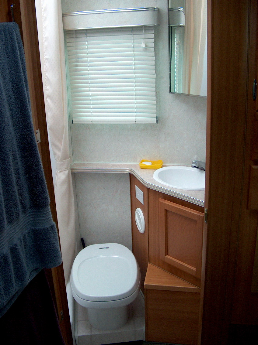 Where rv now tour de lance bathroom - Picture of bathroom ...
